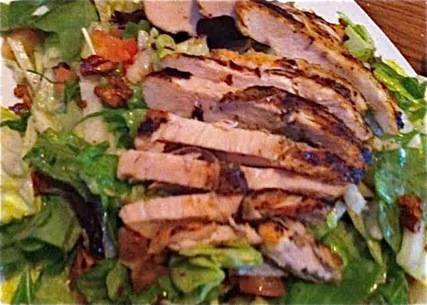 Firebirds Mixed Green Salad with Chicken