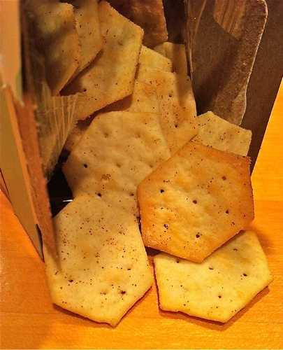 Trader Joe's Gorgonzola Crackers